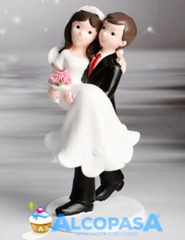 pareja-de-novios-en-brazos-28473-ud