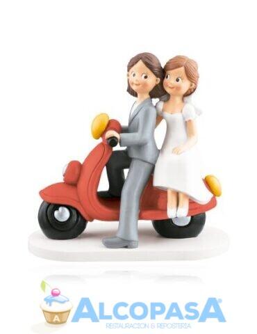pareja-de-chicas-moto-roja-18cm-ud